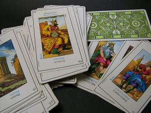 Cartile de joc si Tarotul explicate pe intelesul tuturor 2