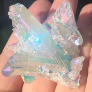 Clusterul de cristale 4