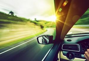 Ce inseamna cand in vis conduci un automobil? Interpretarea visului in care conduci un automobil 2