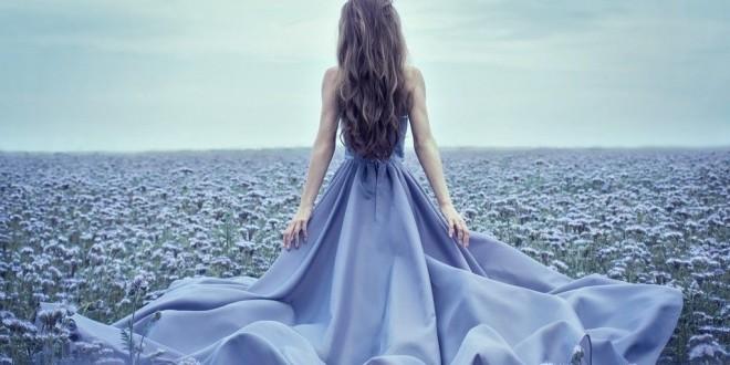 Ce înseamnă când visezi o rochie? Interpretarea visului  în care apare o rochie