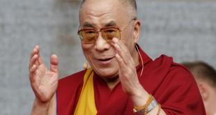 Dalai Lama explica de ce ne adancim tot mai mult in singuratate